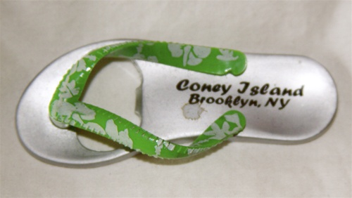 Coney island Flip Flop Magnet with Bottle Opener [GREEN]